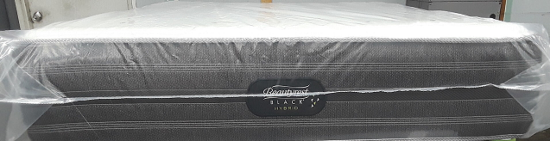 Simmons Beautyrest Black Hybrid Gladney Luxury Firm Queen Mattress
